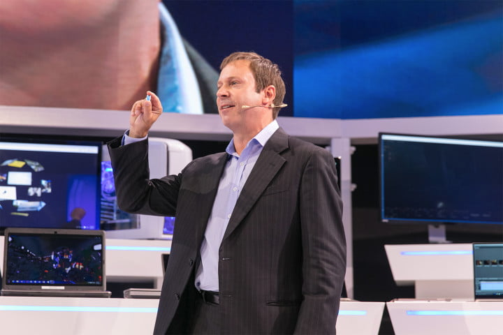 Kirk Skaugen, Intels SVP, shows off their 6th Generation Intel Core Processor