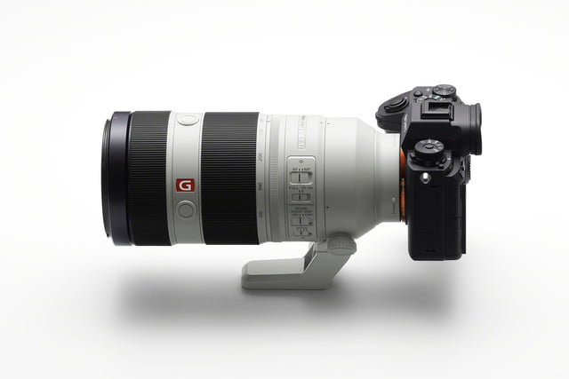 sony launches  mm master g ilce sel gm side image large