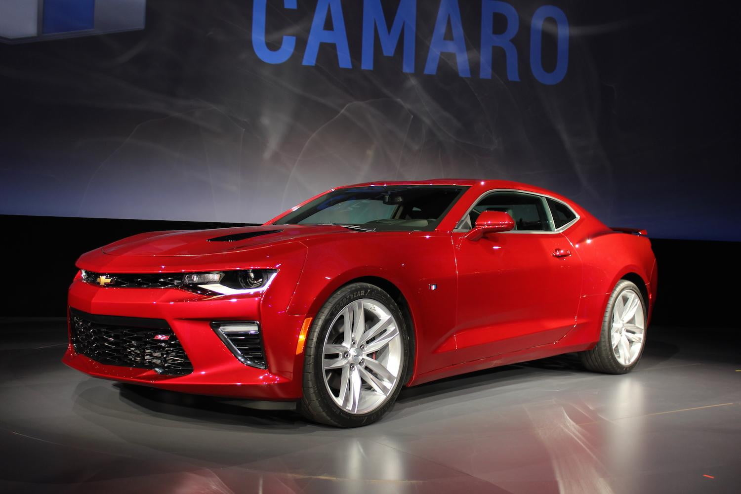 2016 chevrolet camaro impressions pictures performance digital trends. Black Bedroom Furniture Sets. Home Design Ideas