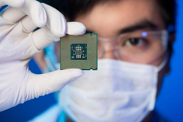 intel delays work on  nm cannon lake chips plans third round of cpus intelchip