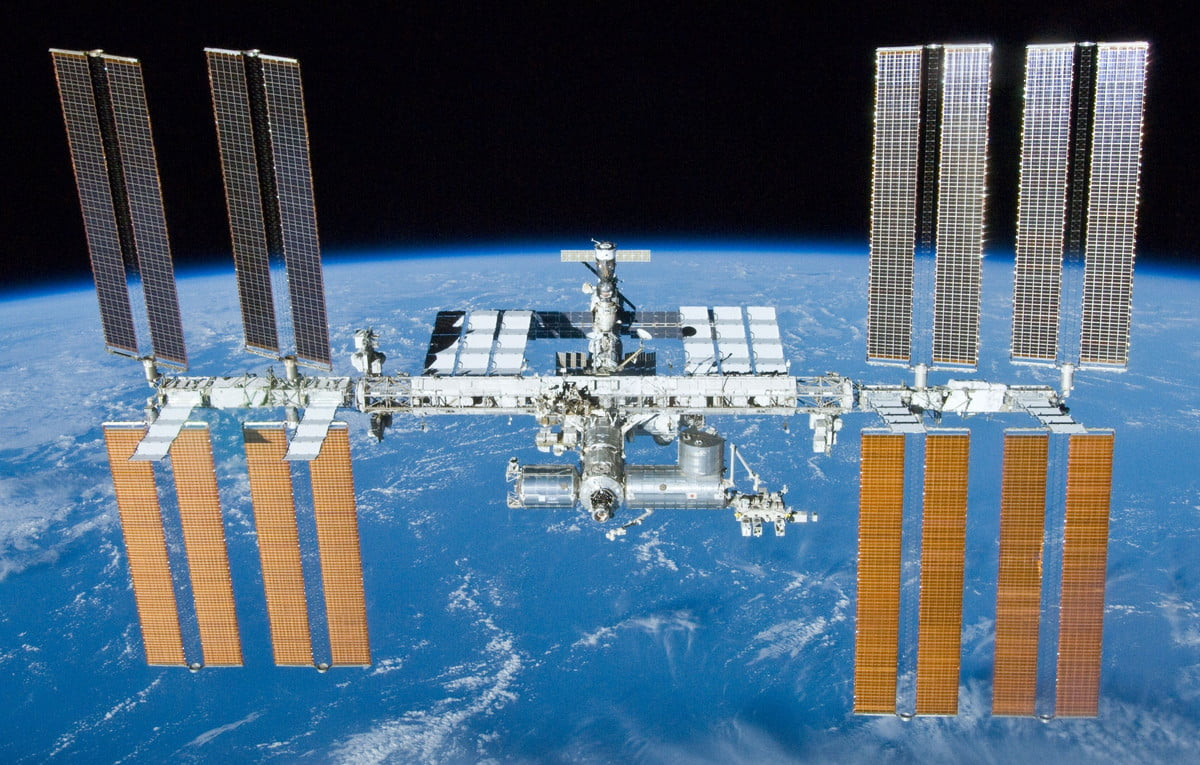 print the future international space station after undocking of sts