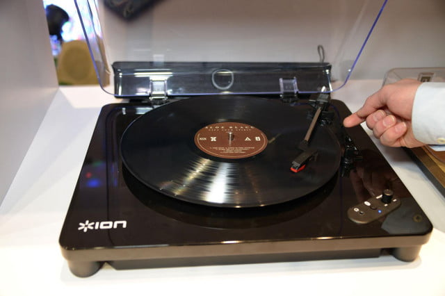 ion air lp bluetooth turntable hands on