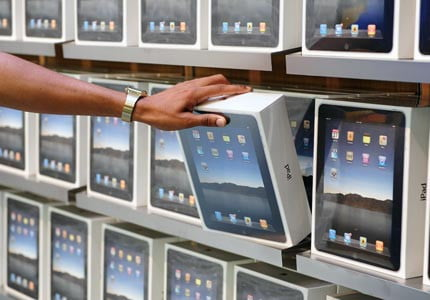 ipad-boxes-store-shelf