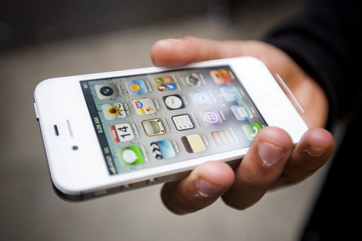 iphone  s planned obsolescence lawsuit owners sue apple