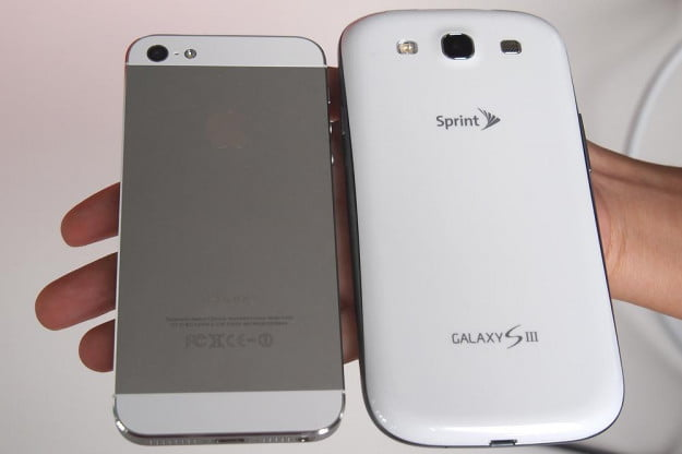 iPhone 5 vs Galaxy S3 back apple samsung