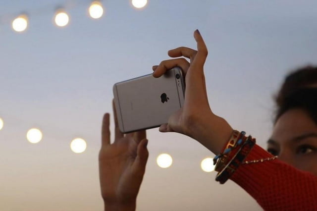 apples dominance of the smartphone market comes in profit not sales iphone  rumor