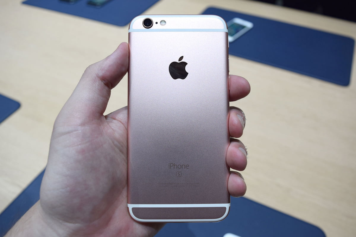 iphone  s sperm donation china news hands on back