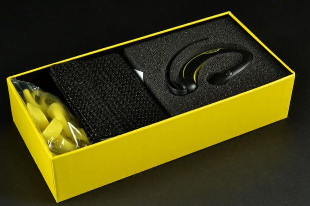 Jabra-Sport-earphones-in-the-box