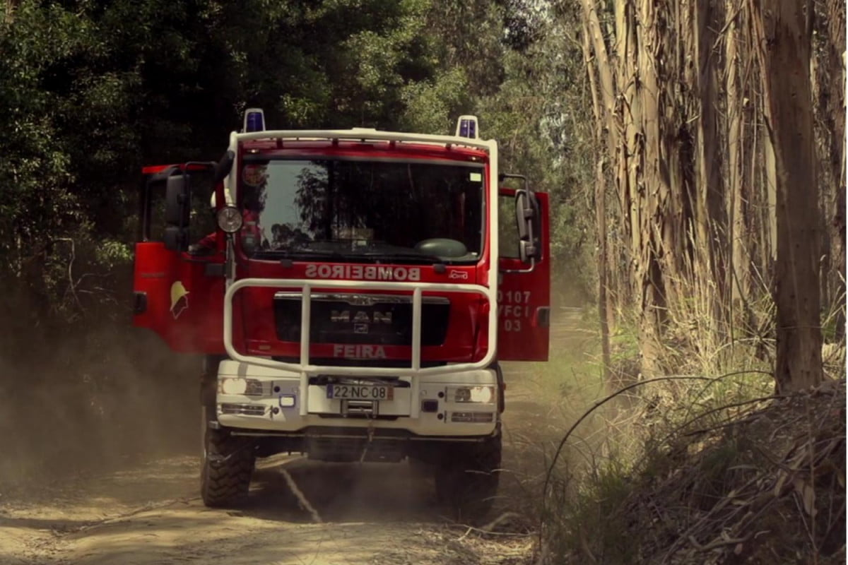 portugals jacinto firetruck give romanias ghe o rescue run money vfci stopped