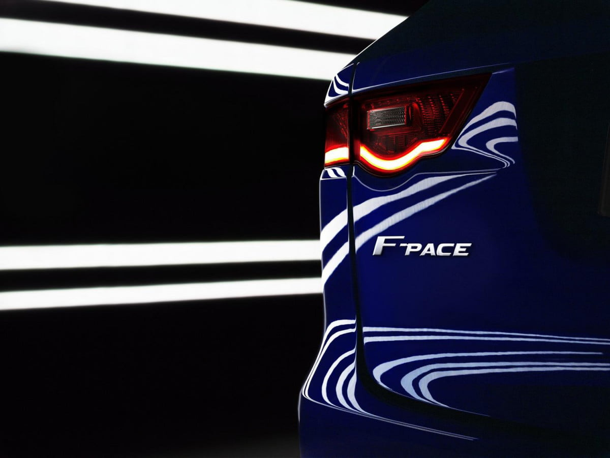 jaguar f pace aims to be the ultimate practical sports car detroit auto show crossover