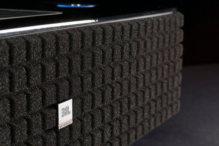 jbl authentic l  review bt speaker macro