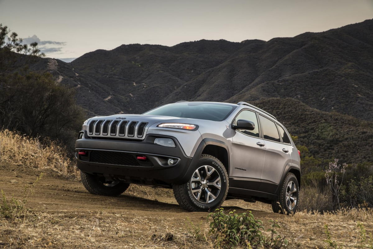 the once and future cherokee jeeps troubled crossover is finally being delivered to dealers jeep