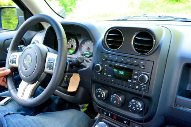 jeep patriot review interior steering wheel and dashboard
