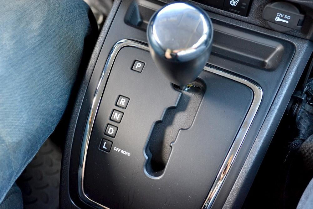 jeep patriot review interior gearstick