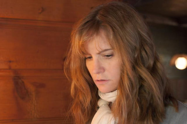 jennifer jason leigh to join cast of twin peaks revival in the moment