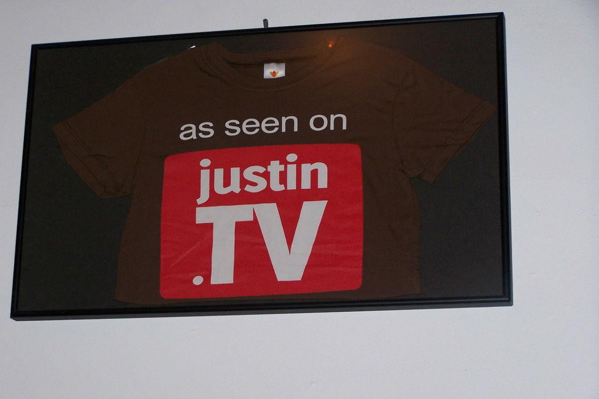 justin tv shuts asks users switch twitch
