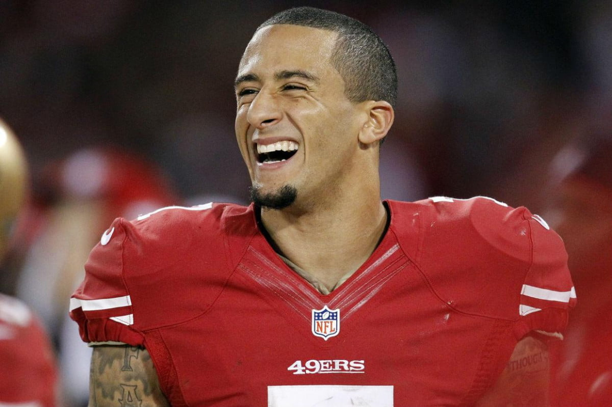 ers qb colin kaepernick loses the game but keeps his eyebrow