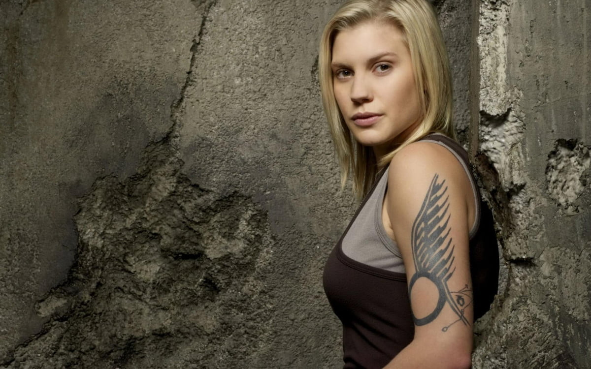 katee sackhoff star eve valkyrie virtual reality game battlestar galactica