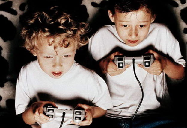 kids-playing-video-games
