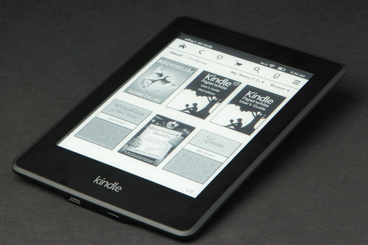 Kindle Paper White flat angle