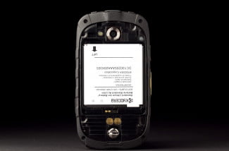 Kyocera-phone-review-back-cover-off