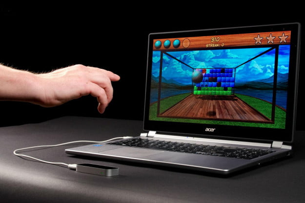 Leap-Motion-review-front-angle-hand-motion