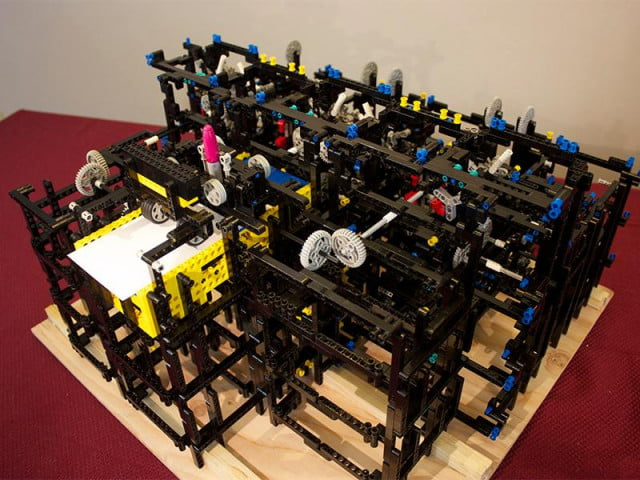 apple engineer constructs drawing machine lego