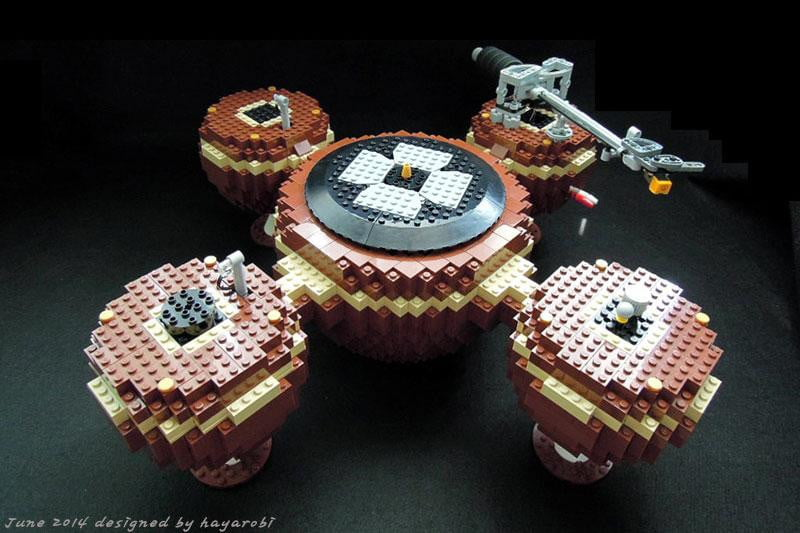 Lego Lover Meets Audiophile In This Gorgeous Lego