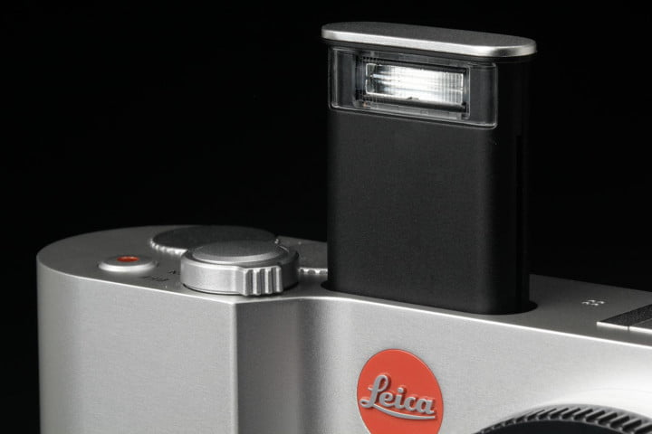 leica t typ  review flash