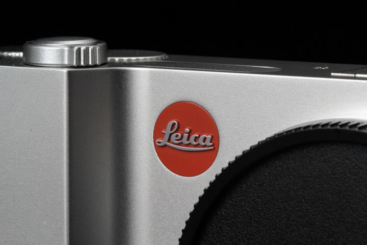 leica t typ  review logo