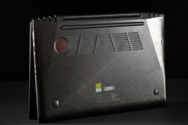 Lenovo IdeaPad Y510p bottom