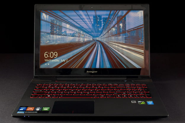 Lenovo IdeaPad Y510p top front locked