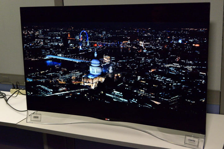 lg  ea review curved oled left side angle
