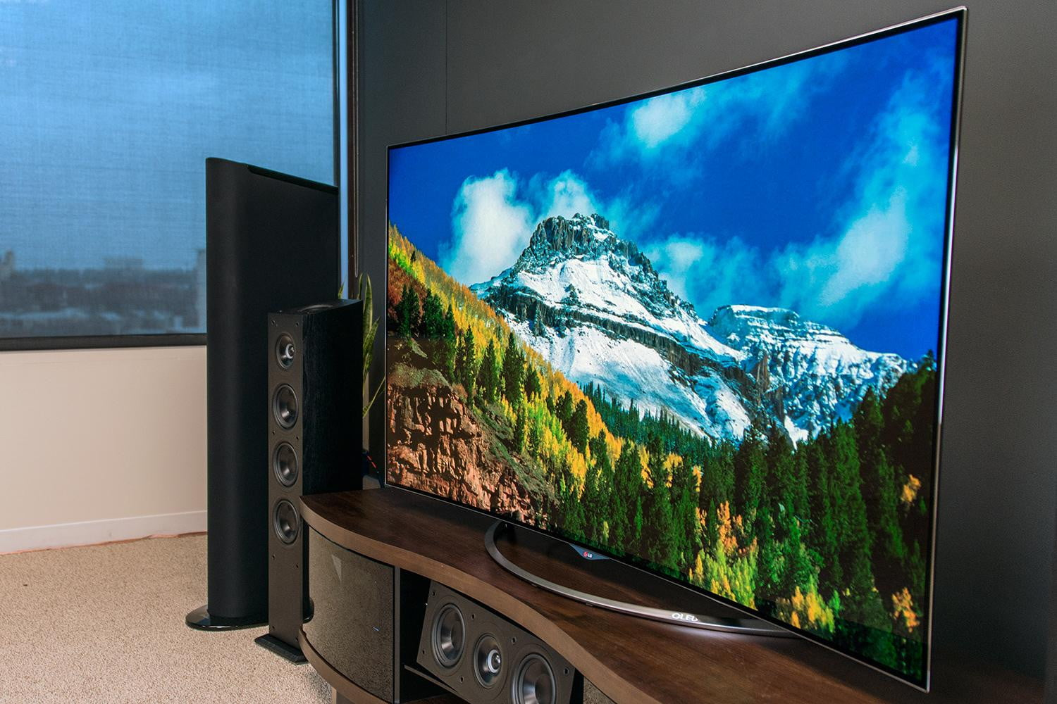 8 awesome tv trends to watch for in 2015 digital trends. Black Bedroom Furniture Sets. Home Design Ideas