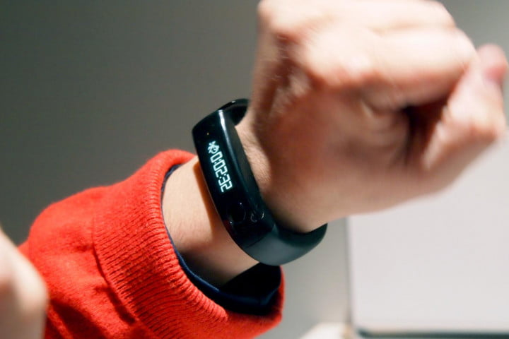 lg lifeband touch review fitness tracker on wrist