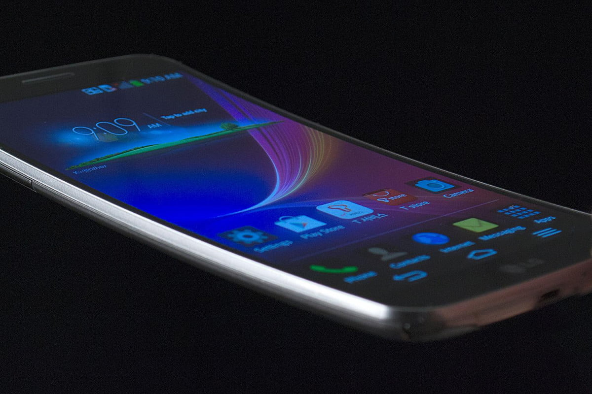 lgs curved g flex phone coming to europe next month lg side curve macro