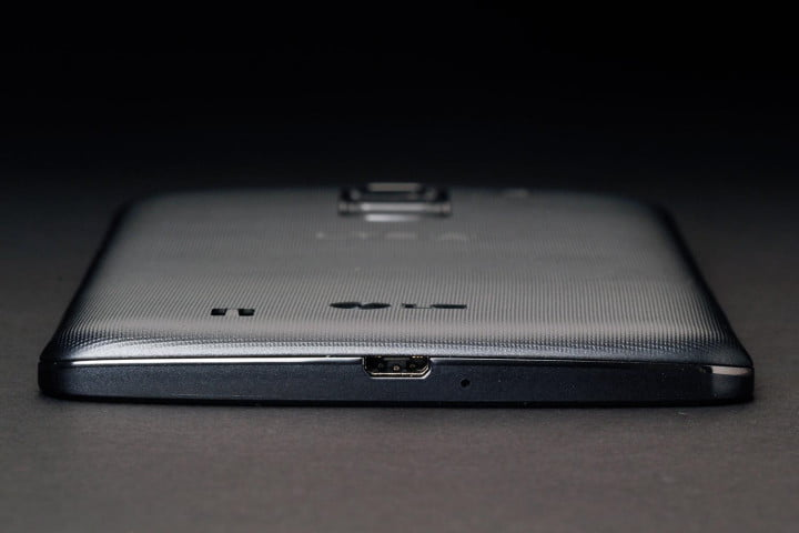 lg g pro  review bottom