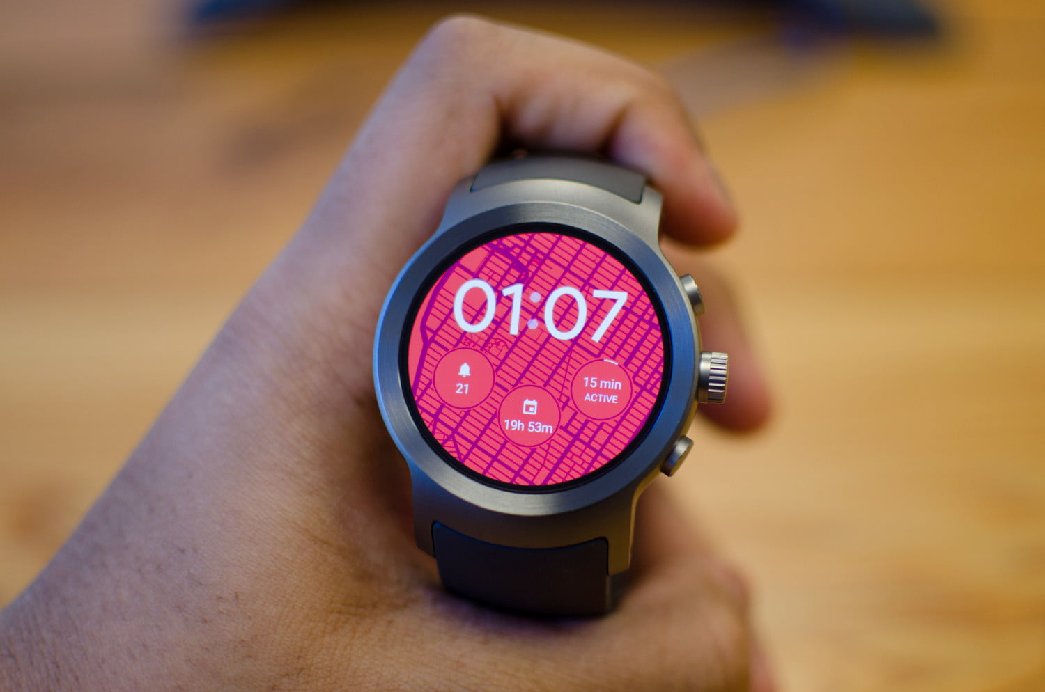 How to Use Android Wear with an Android or iOS Smartphone ...