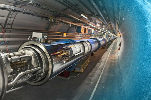 cern large hadron collider physicists discover pentaquark paritcle lhc