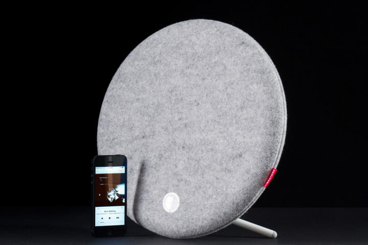 libratone loop review speaker scale with phone