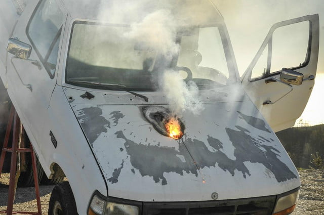 lockheed martins newest laser weapon can destroy a trucks engine from mile away martin truck