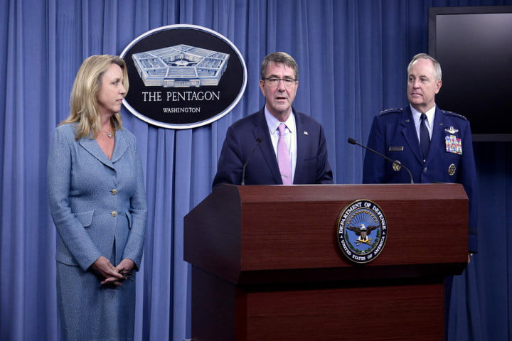 Secretary of Defense Ashton Carter (middle), Deborah Lee James (left), and Air Force Chief of Staff Gen. Mark Welsh (right) at the contract award announcement