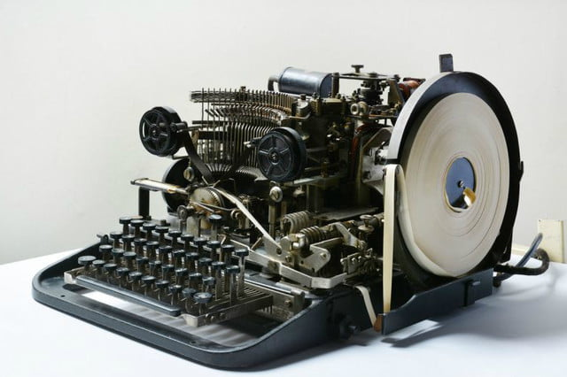 rare nazi coding device discovered on ebay gets snapped up for a mere  lorenz teleprinter nmc