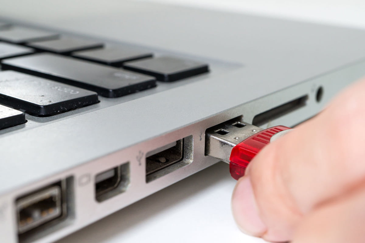 study shows  percent of usb drives found plugged in lost issues