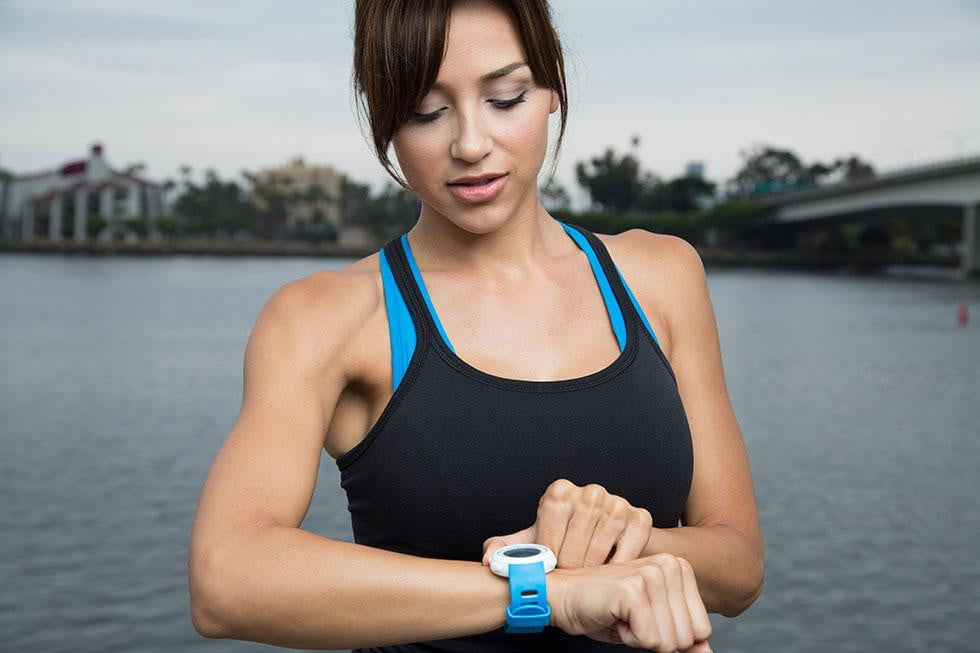 magellan enters the fitness tech game with a dumb watch echo main