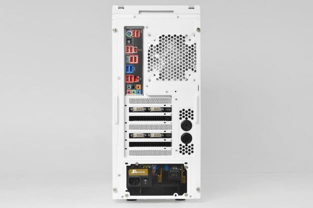 maingear-vybe-review-white-rear-inputs