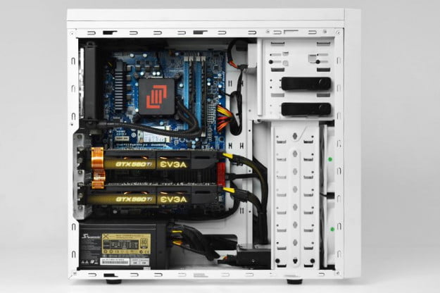 maingear-vybe-review-white-side-case-open