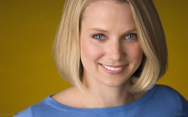 yahoo beats google facebook twitter unique desktop visitors december marissamayer