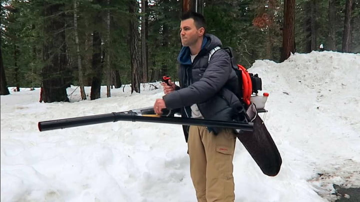 Mark-Rober-snowball-cannon