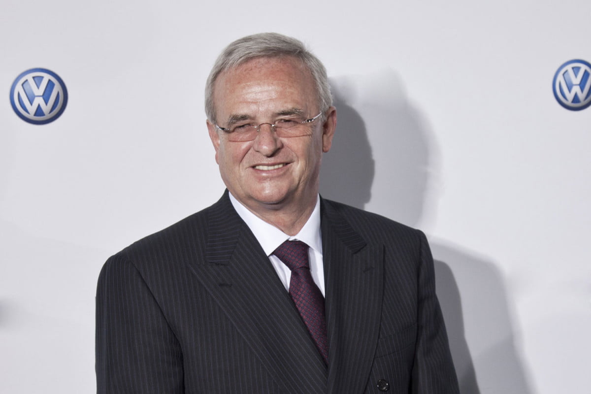 vw ceo winterkorn steps down martin quits